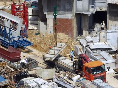 budowa bloków mieszkalnych i handlowych